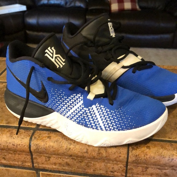 Men's size 9 Nike Basketball shoes